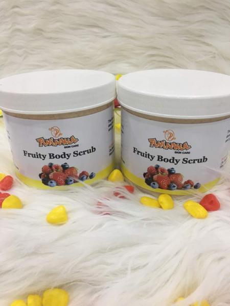 Twinkul Fruity body scrub